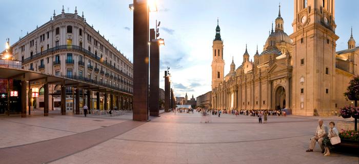 Puente del Pilar en Zaragoza