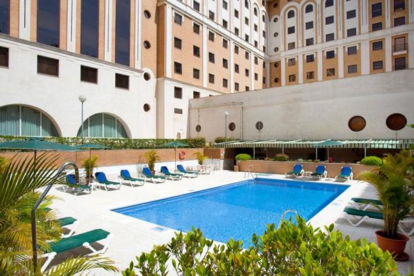 Hoteles cerca de Santa Justa en Sevilla
