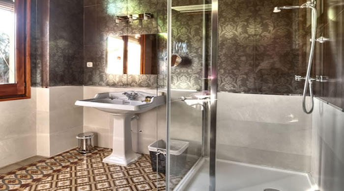 Hotel para Vacaciones en Tarragona. Casa Ceremines